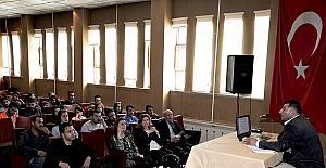 Hakkari'de posta ve lojistik bölümü öğrencilerine seminer verildi