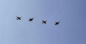 İsrail Suriye rejimine hava harekatı...
