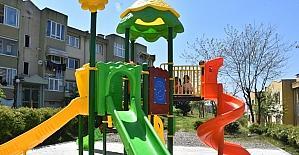 Kalıcı konutlardaki oyun parkları yenileniyor