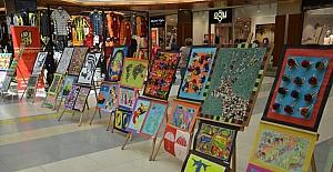 Köy öğrencilerinin hazırladığı el sanatları sergisi yoğun ilgi gördü