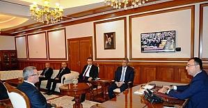 Müsteşar Yardımcısı Nogay Vali Toprak'ı ziyaret etti