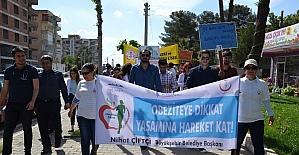 Öğrenciler obeziteye dikkat çekmek amacıyla yürüdü