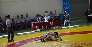 Okullararası Güreş Türkiye Şampiyonası Didim'de devam ediyor