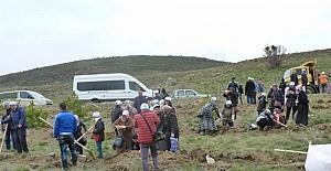 Otizm Farkındalık Ormanı'na 1000 adet fidan dikildi