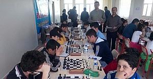 Satranç turnuvasına büyük ilgi