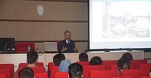 """""""Sinan'ın Yazılmamış Mimarlık Kuramı ve Öğretisi"""" konuşuldu"""