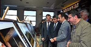 """Tatvan'da """"Kadim Şehir Bitlis"""" konulu fotoğraf sergisi açıldı"""