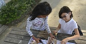 3 kız arkadaşın hayvanlar için yaptığı afişler takdir topladı
