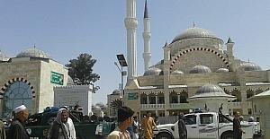 Afganistan'daki en büyük camide ilk cuma namazı
