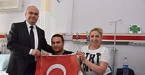 AK Parti'li Mersinli hastanedeki askerleri ziyaret etti