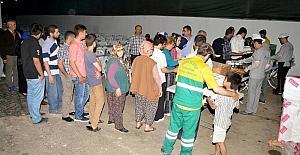 Akdeniz Belediyesi iki mahalleye iftar çadırı kurdu