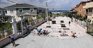 Başiskele'de yollara parke taş çalışması