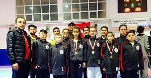 Bilecik Belediyesi Taekwondo Takımı umut vaat ediyor