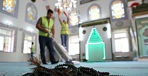 Buca'da camilere Ramazan temizliği