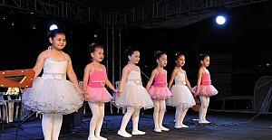 Büyükşehir kültür merkezlerinden yıl sonu etkinliği