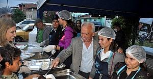 Büyükşehir Nazilli'de iftar sofraları kuruldu