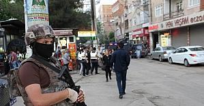 Diyarbakır'da 1400 polisle dev huzur operasyonu