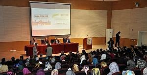 Diyarbakır'da 'Anadolu'nun İslam'a açılan ilk kapısı' paneli