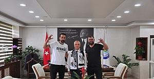 Fenerbahçeli başkana Beşiktaş atkısı