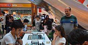 Gençler satrançla buluştu