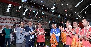 Halı saha turnuvasının şampiyonu Şöhretler takımı oldu