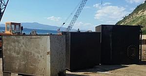 İzmirde Kaçak Akaryakıt Ele Geçirildi