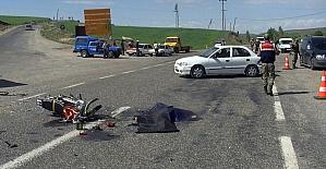 Kamyonetle motosiklet çarpıştı: 1 ölü