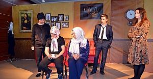 'Kim vurdu' adlı tiyatro oyunu sergilendi