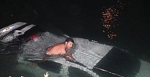 Kız arkadaşı kendisinden ayrılınca, intikam için kız arkadaşının aracını sulama kanalına attı