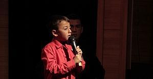 Müzik Yarışması'nda dereceye giren öğrencilere ödüllere verildi