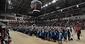 NEÜ Ahmet Keleşoğlu Eğitim Fakültesi öğrencileri mezun oldu