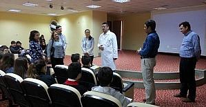 Öğrenciler hastaneye solunum cihazı bağışladı