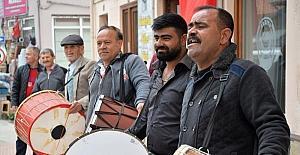 Ramazan davulcuları hünerlerini sergiledi