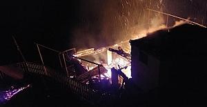 (RİZE) Rize Çayeli ilçesinde yangın......