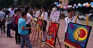 Samandağ'da öğrencilerden resim sergisi