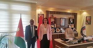Sri Lanka Büyükelçisi Amza'dan SANKON'a ziyaret