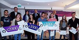 Türkiye'nin en iyi İngilizce konuşan öğrencileri İstanbul ve İzmir'den çıktı