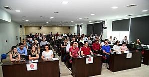 Adana Büyükşehir'den sosyal medya gönüllülerine eğitim