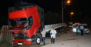 Adana'da park halindeki tır kundaklandı