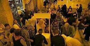 Altın Üçgende 6 bin kutu kandil simidi dağıtıldı