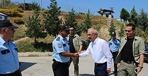 Bakan Elvan, polislerin bayramını kutladı