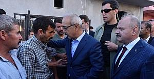 Bakan Elvan şehit ailesini ziyaret etti
