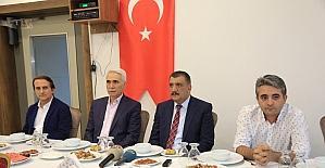 Belediye Başkanı Gürkan medya temsilcileri ile iftarda bir araya geldi