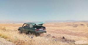 Besni'de otomobil takla attı: 2 yaralı