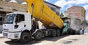 Büyükşehirden bayram öncesi yoğun asfalt mesaisi