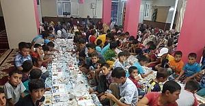 Çüngüş'te Kur'an kursu öğrencileri iftarda bir araya geldi