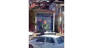 Finike'de trafoya kahraman polis Sekin resmedildi
