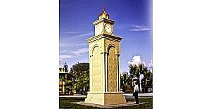 İskenderun'a Selçuklu mimarisi saat kulesi