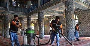 Keçiören'in camileri bayrama hazır