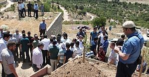 Mezarlık ziyaretinde arının soktuğu kadın öldü